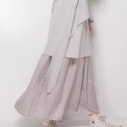 春を呼び込むスカートスタイル②-ボリュームスカートは旬素材で甘すぎない軽やかコーデに-